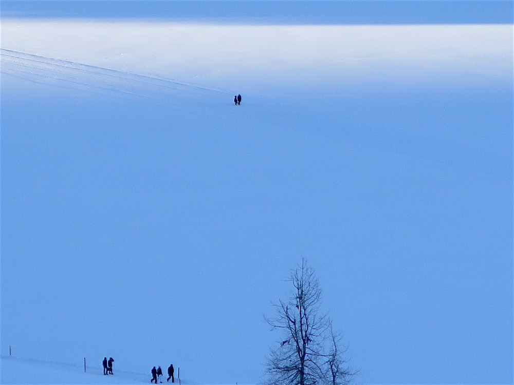 Walking across the frozen Lake St. Moritz ©MRNY