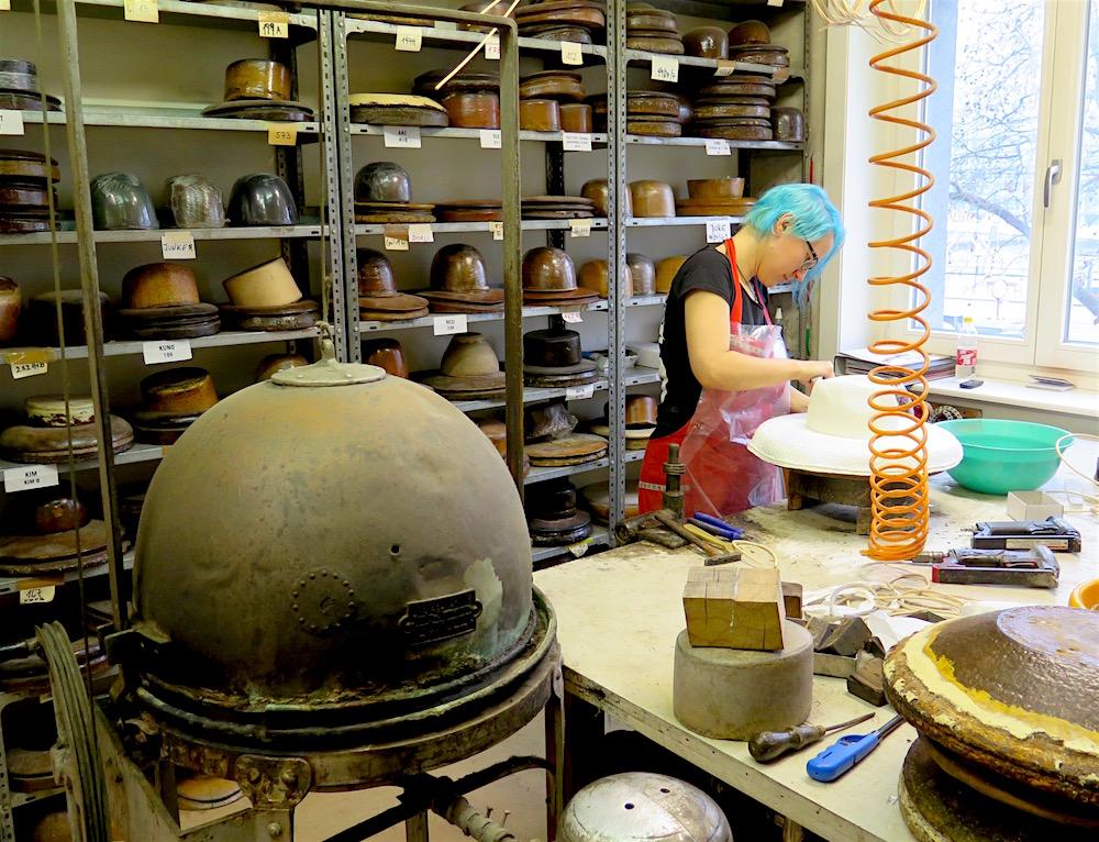 Mühlbauer atelier on Hafnersteig in central Vienna (photo by ©MRNY)