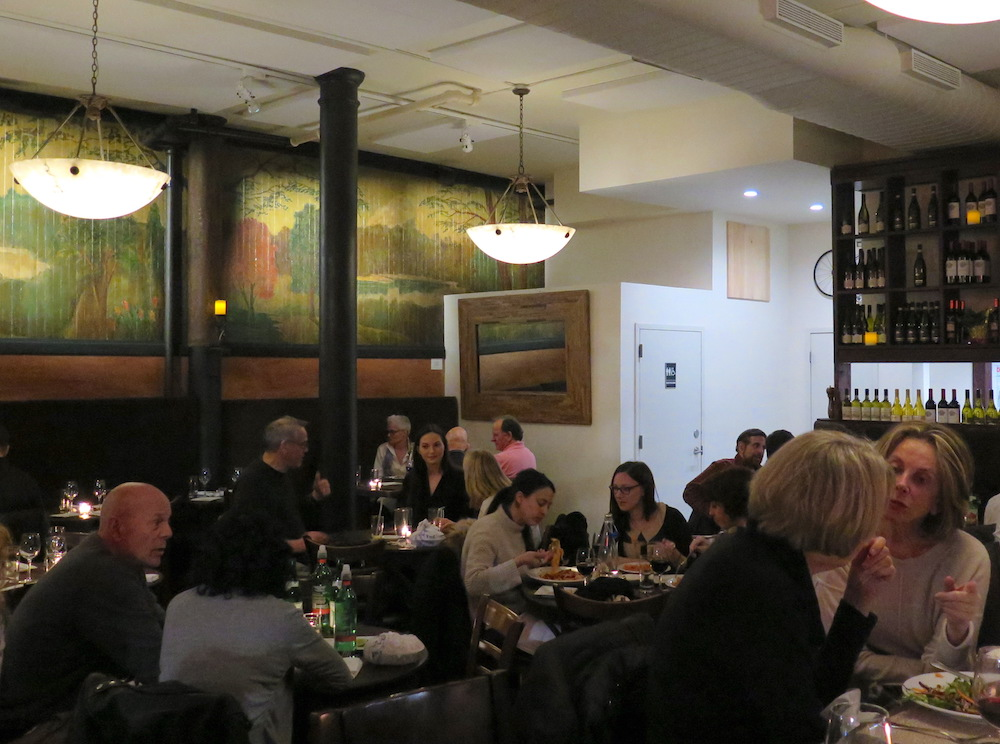 Bella Luna dining room with its restored Prohibition-era mural (photo by ©MRNY)